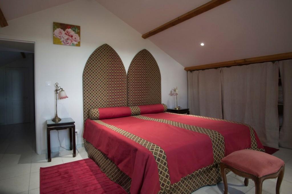 gite-chinon-chambre-coquelicot-2-1200x800