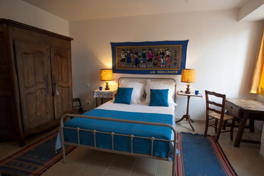 gite-chinon-chambre-lavandes-900x600