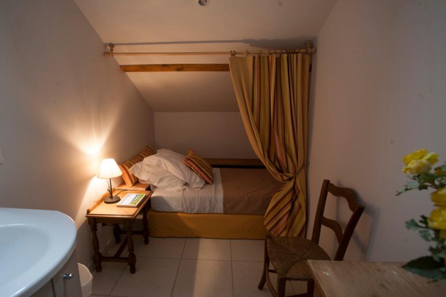 gite-chinon-chambre-simple-900x600